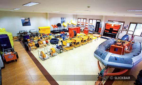 facilities - fas-01-exhibition-room.jpg